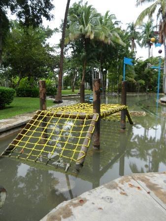 Las Estacas Natural River : Part of the kiddie playground