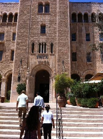 Jerusalem International YMCA, Three Arches Hotel: Front of the J YMCA