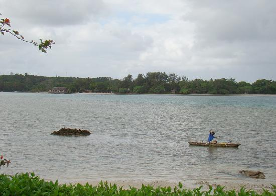 Pacific Lagoon Apartments: Lagoon