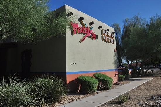 Macayo Mexican Restaurant: Outside wall of Macayo's in Scottsdale, AZ