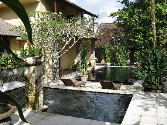 Lokasari Bungalows Spa & Gallery: Pool area