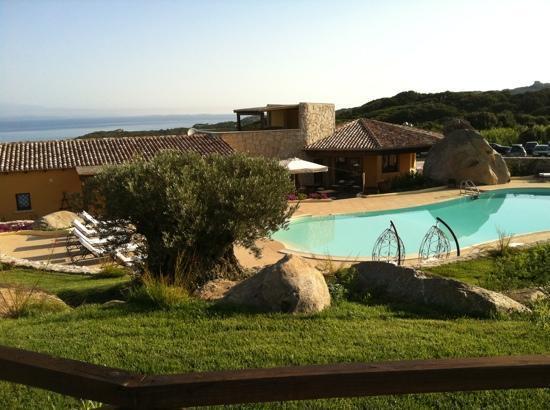 Residence Punta Falcone: piscina