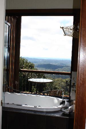 At Remingtons Lodge & Private Cottages: Spa view