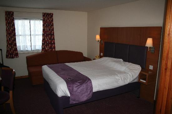 Premier Inn Swansea City Centre Hotel: very comfy bed