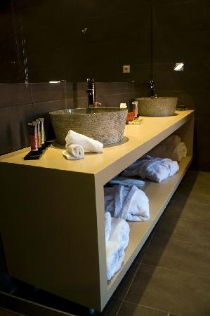 Alcanea Boutique Hotel: Room 8 bathroom