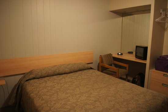 Akaroa Waterfront Motels: Bedroom - with electric blanket