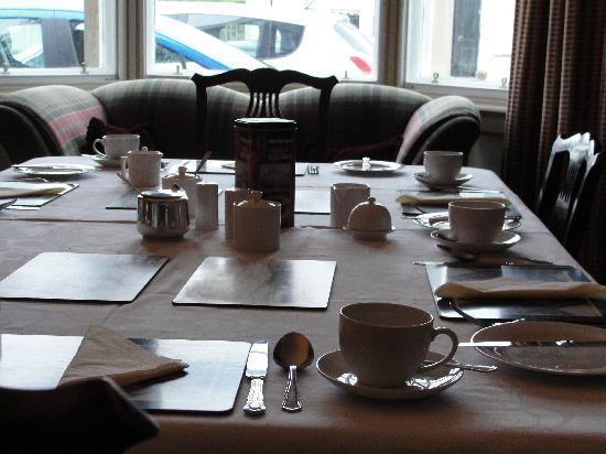 An Grianan: tavolo sala colazione