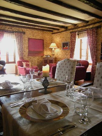La Metairie des Songes: Dining at la Métairie