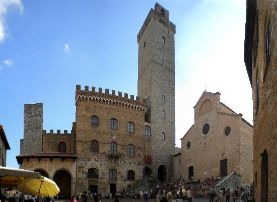 سان جيميجنانو, إيطاليا: Piazza del Duomo