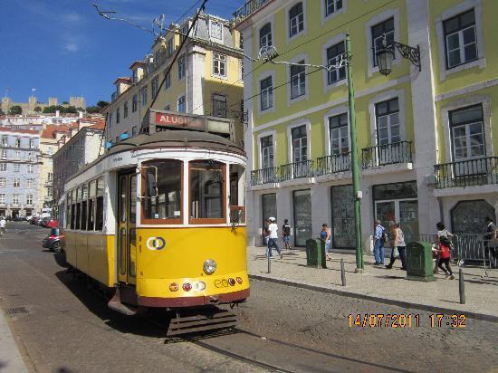 Casa De Sao Mamede: Un Tramway Typique de Lisbonne
