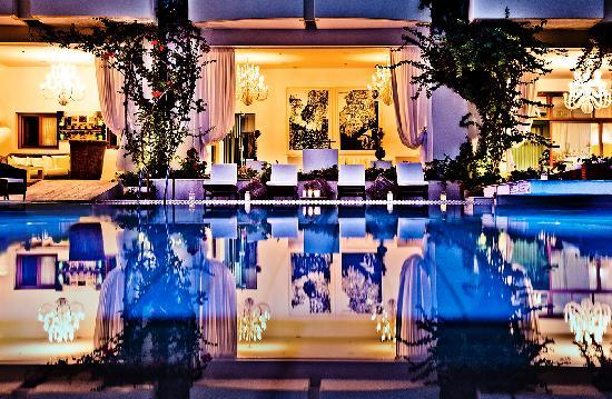 La Piscine Art Hotel: Swimming Pool at La Piscine****