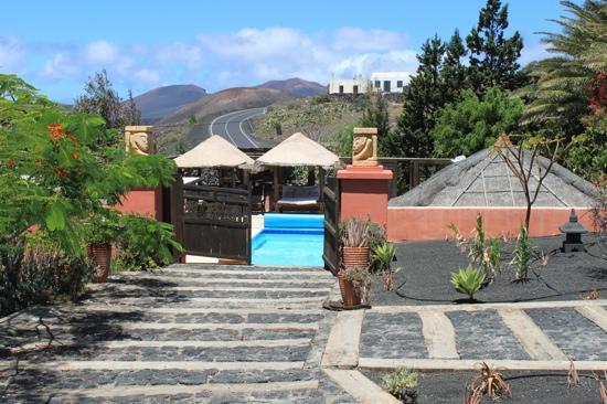 Casa el Morro: entrada piscina