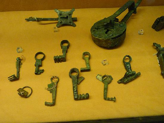 National Archaeological Museum of Naples: Llaves y cerraduras romanas