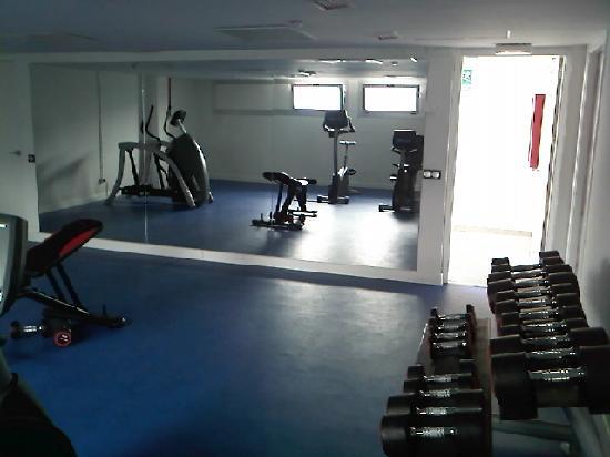 โรงแรมแอคเซอ บาราจาส์: gimnasio