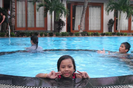 Sunrise Resort: swimming pool