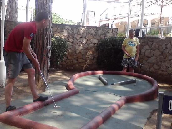 Camping Sandaya Cypsela Resort: Crazy Golf at Cypsela