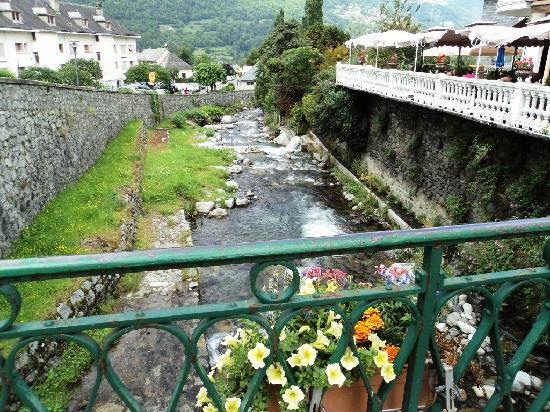 Luz-Saint-Sauveur, Francia: Gave du Bastan à Luz St Sauveur