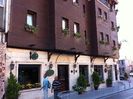 Sirkeci Mansion: Ingresso dell'hotel