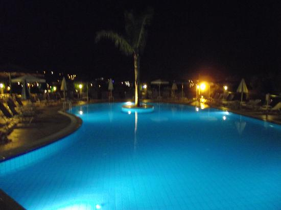 Zante Star: THE POOL BY NIGHT
