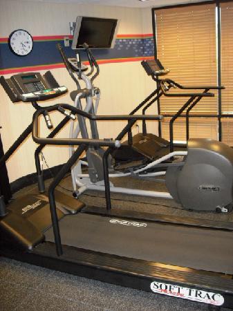 Hampton Inn Lancaster: Fitness Center