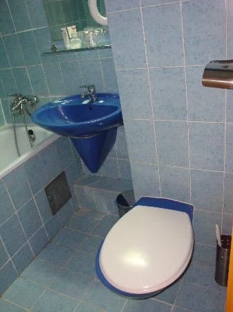 Gradac, Chorwacja: Dirty bathroom