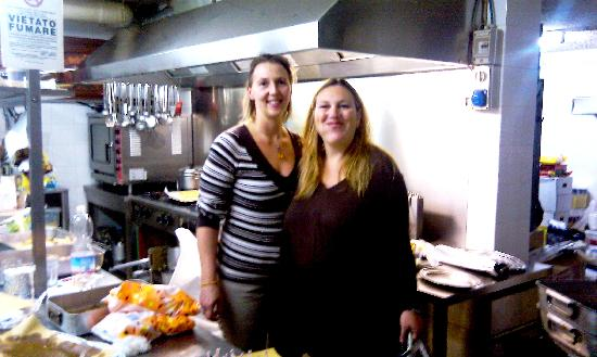 Pizzeria Ireale: le donne in cucina
