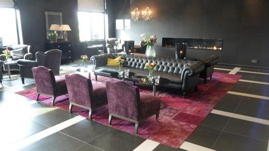 Van der Valk Hotel Duiven : mooie ontvangsthal hotel duiven