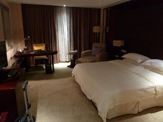 Chunlong International Hotel : Twin Room