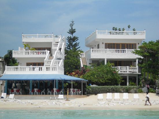 Beach House Villas: Ocen view of the villas