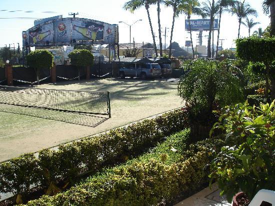 The Palms Resort Of Mazatlan: tennis court
