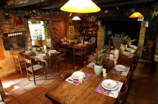 Tursac, France: un retour dans le passée