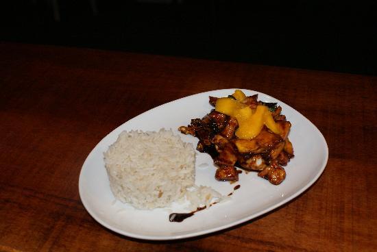PRAIAZINHA: poulet asiatico na manga e castanha