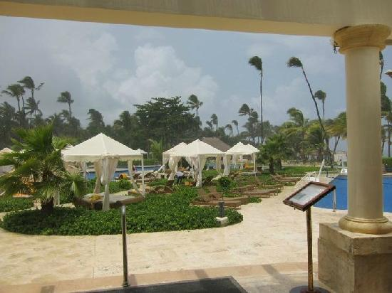 Iberostar Grand Hotel Bavaro: Pool view from Restaurant