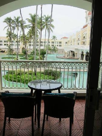 Iberostar Grand Bavaro: Hotel ponds