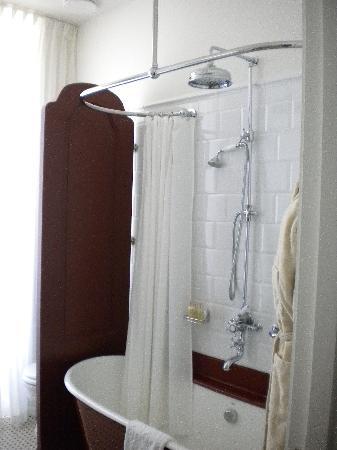 Bañera antigua lacada