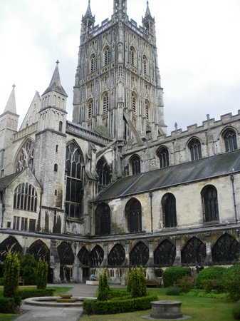 Gloucester, UK : Cathedral from inner courtyard
