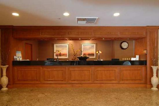 Front Desk Picture Of Doubletree By Hilton Hotel Carson