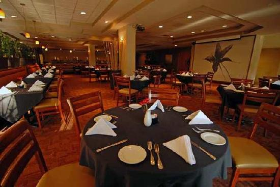 DoubleTree by Hilton Hotel Carson : Babmoo Grill located in the lobby