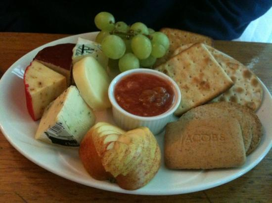 Ailean Chraggan: their version of cheese and biscuits!!!