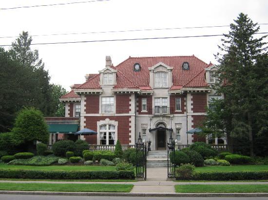 Econo Lodge: Mansion 1