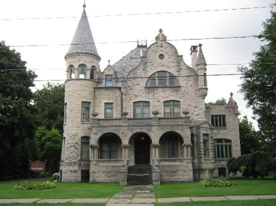 Econo Lodge: Mansion 2