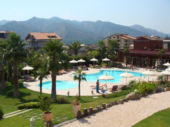 Alcantara Resort : piscina