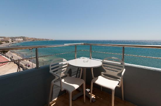 Astron Hotel: Balcony with sea view
