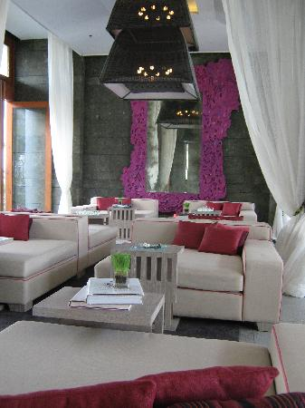 W Retreat & Spa Bali - Seminyak: Lobby