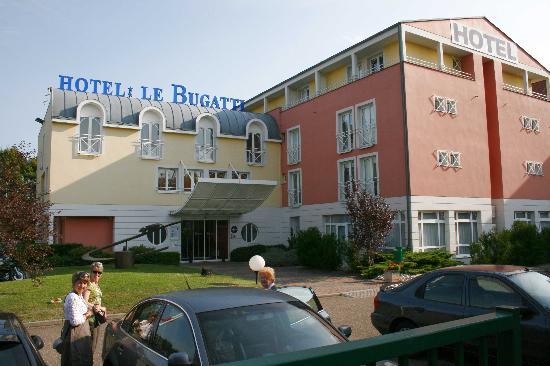 vue d 39 ensemble picture of hotel le bugatti molsheim tripadvisor. Black Bedroom Furniture Sets. Home Design Ideas