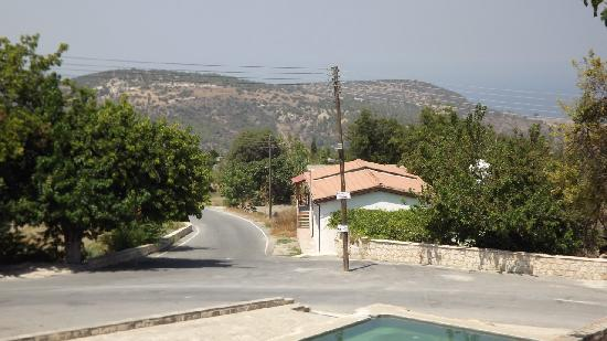 Paradisos Hills: Lysos village