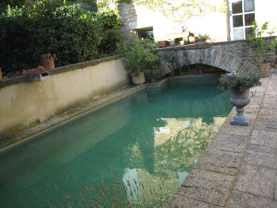 L'Olivier Romain : piscine après l'orage