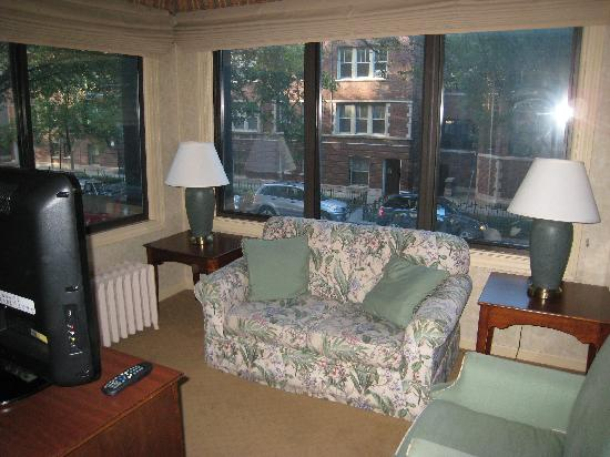Majestic Hotel: The den in Room #101, overlooking West Brompton Place