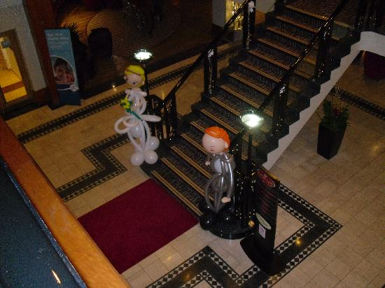 Crowne Plaza Leeds: this is venue from the Mezzanine, looking down @ main stair case.