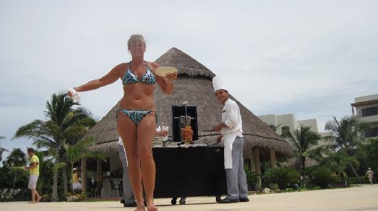 Secrets Maroma Beach Riviera Cancun: The great taco cart